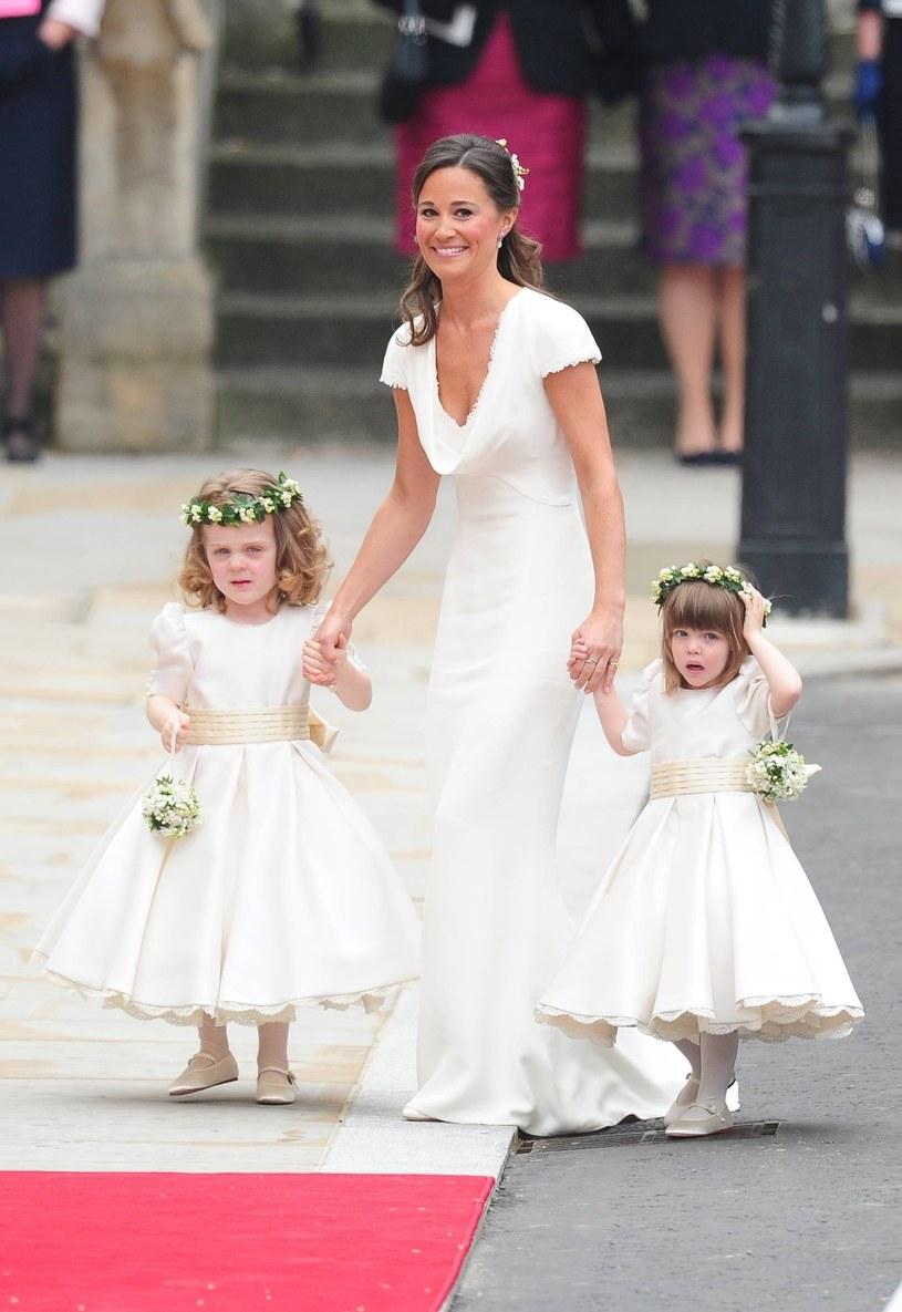 Media na całym świecie zachwycają się Pippą Middleton od czasu ślubu Kate i Williama /Guibbaud-Mousse-Nebinger-Orban /East News