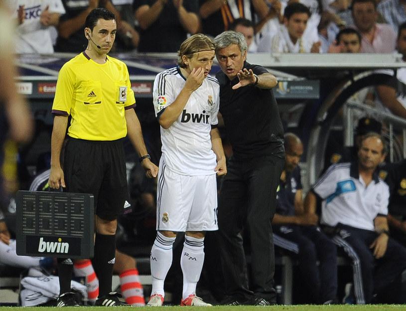 Media spekulują, że w razie porażki w derbach Real zwolni Mourinho /AFP