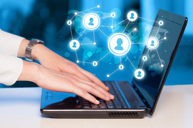 Media społecznościowe rosną w siłę /123RF/PICSEL