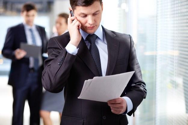 Mediana wynagrodzeń w działach administracji w 2012 roku wyniosła 3200 zł /123RF/PICSEL