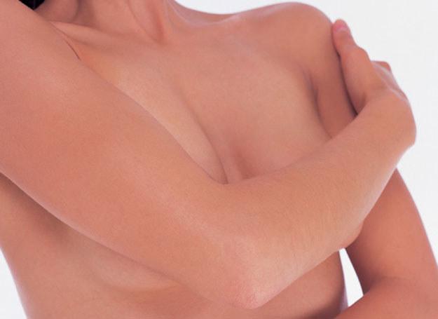 Medycyna estetyczna ma nowe propozycje zarówno dla młodych mam, jak i dla kobiet dojrzałych /ThetaXstock