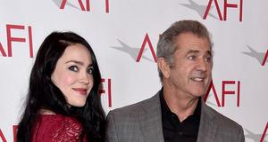 Mel Gibson z ciążarną dziewczyną