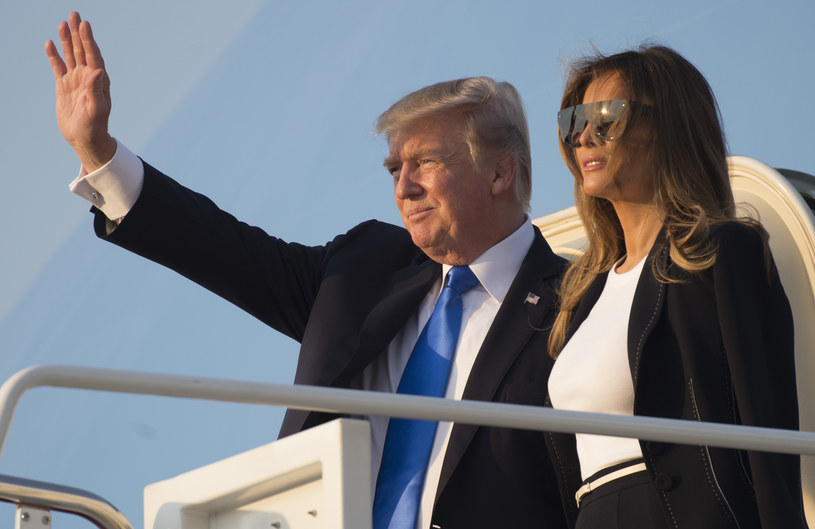 Melania i Donald Trump na pokładzie Air Force One /SAUL LOEB /AFP