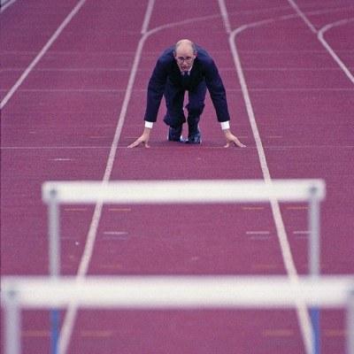 Menedżer czasów kryzysu jest elastyczny w podejściu do problemów i umie zarządzać ludźmi /© Bauer