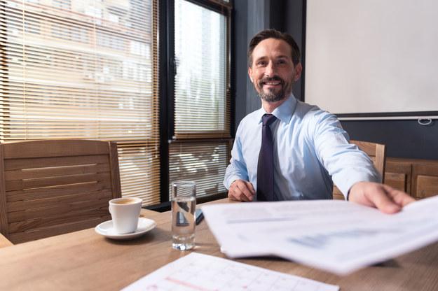 Menedżerowie, którzy ukończyli studia podyplomowe MBA, zarabiali niemal 4000 zł więcej od kierowników nieposiadających takiego certyfikatu. /123RF/PICSEL
