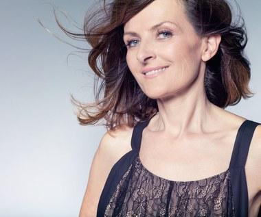 Menopauza: Jak prawidłowo dbać o włosy i je wzmocnić