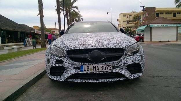 Mercedes-AMG E 63 jeszcze w kamuflażu /magazynauto.pl