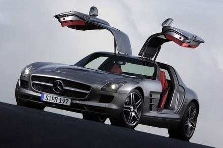 Mercedes-Benz SLS AMG /