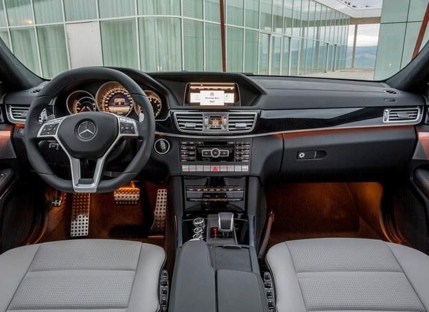 Mercedes E 63 AMG - wnętrze /Mercedes