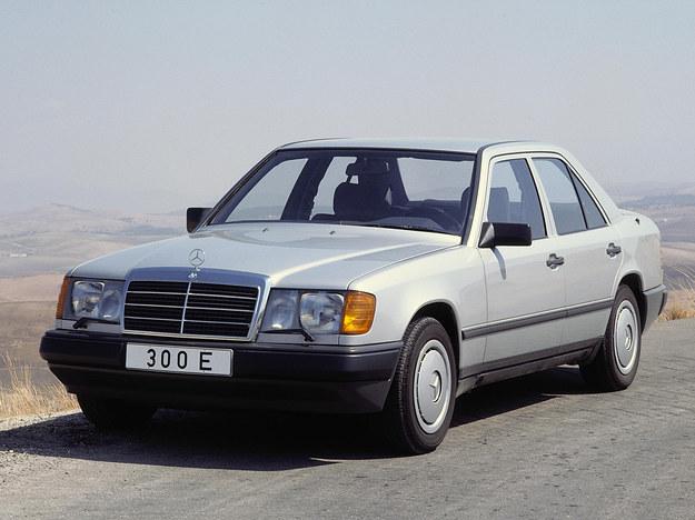 """Mercedes W124 zwany """"baleronem"""" to mistrz długowieczności. /Motor"""