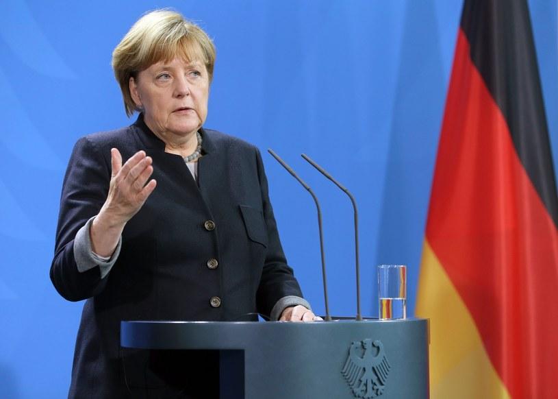Merkel rozmawiała z Poroszenką o szczycie w sprawie Ukrainy /PAP/EPA