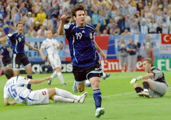 Messi w swoim debiucie w MŚ strzelił bramkę /AFP