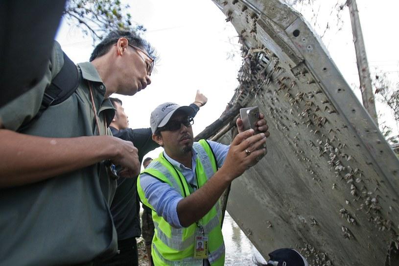Metalowe elementy znalezione na wybrzeżu w Mozambiku najprawdopodobniej z MH370 (zdj. ilustracyjne) /Tuwaedaniya MERINGING / AFP  /AFP
