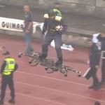 Mężczyzna latający na dronie przed finałem Pucharu Portugalii