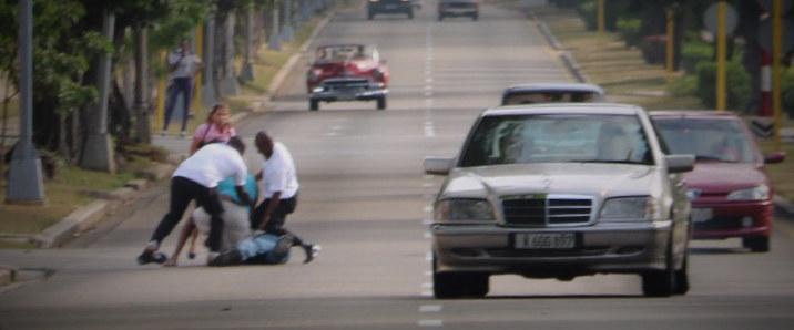 Mężczyzna został powalony na ulicę kilka skrzyżowań przed kościołem /Paweł Żuchowski, RMF FM /RMF FM