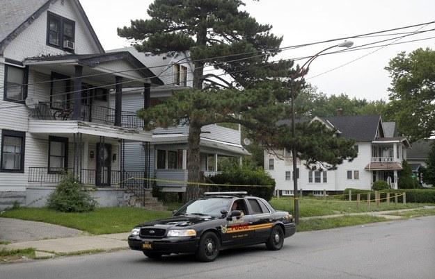 Mężczyzna został zastrzelony przez interweniujących policjantów /DAVID MAXWELL /PAP/EPA