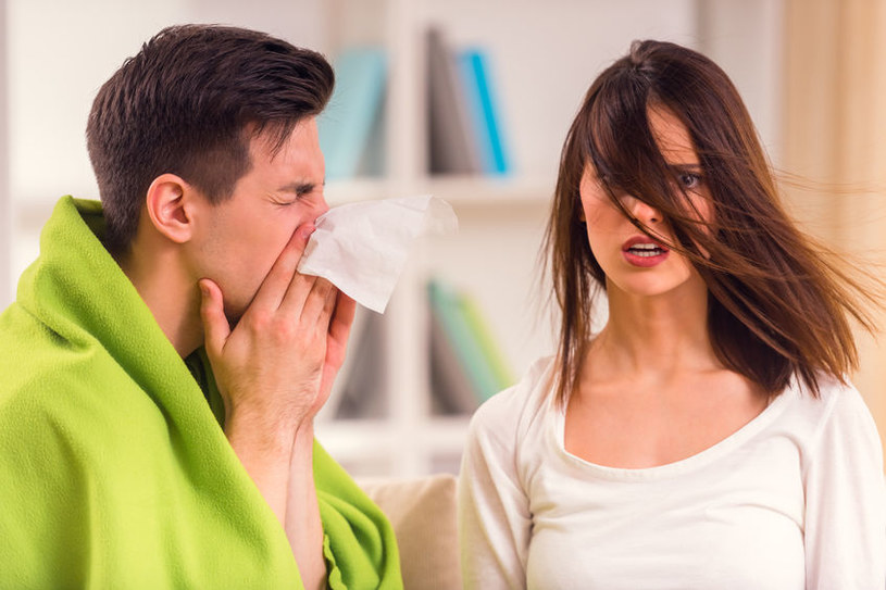 Mężczyźni chorują ciężej od kobiet /123RF/PICSEL