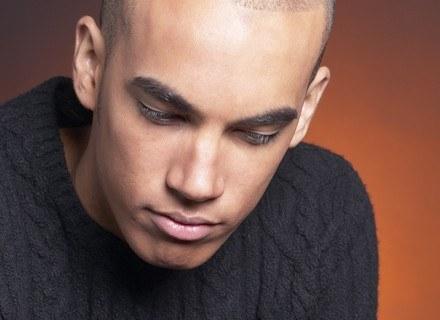 Mężczyźni coraz częściej proszą o korektę ust