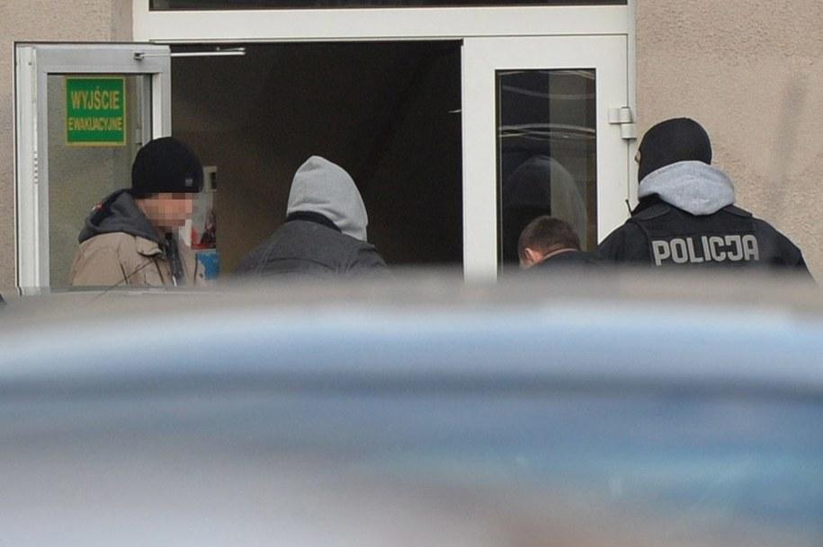 Mężczyźni podejrzani o zabójstwo na Pradze / Radek Pietruszka   (PAP) /PAP