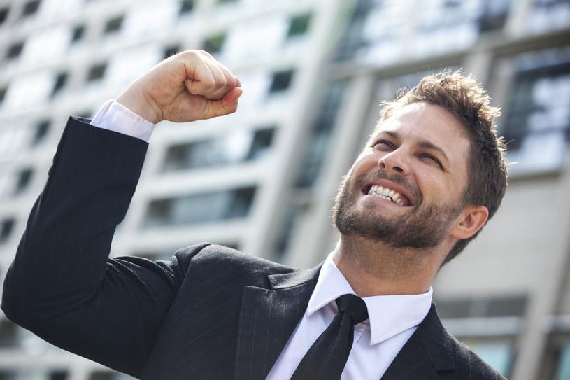 Mężczyźni wciaż częściej niż kobiety odnoszą sukcesy zawodowe /123RF/PICSEL