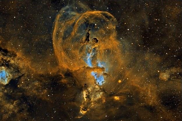 Mgławica NGC 3582 - tam rodzą się gwiazdy... /NASA