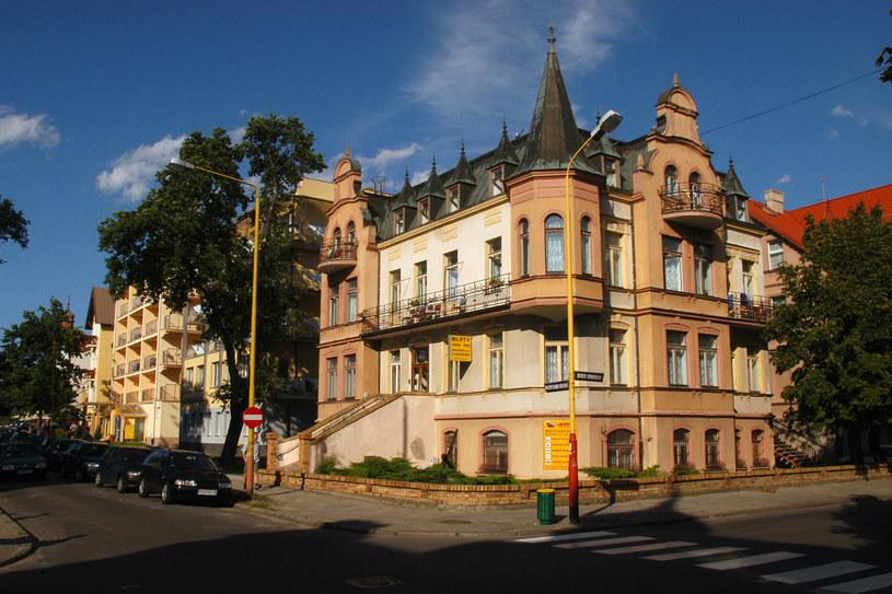Miasto to nie tylko plaże i Bałtyk. Malowniczego klimatu dodaje tutaj odnowiona zabudowa /Krzysztof Wójcik /Agencja FORUM