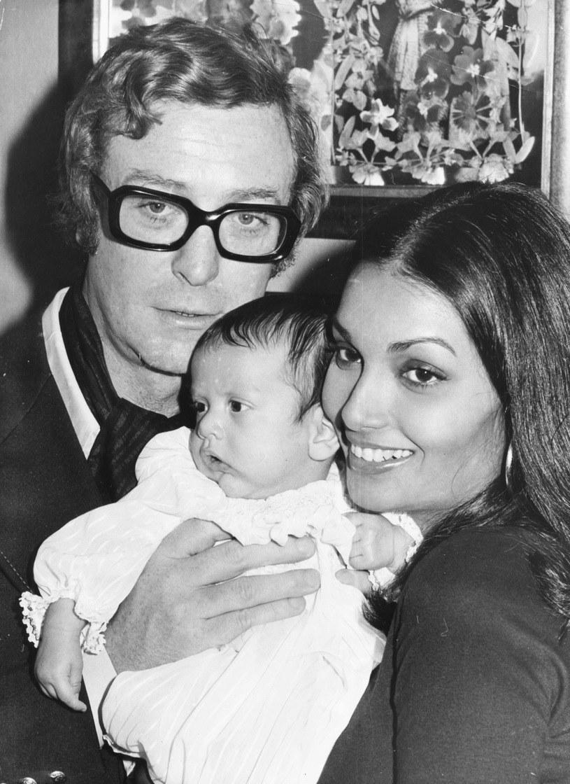 Michael Caine z Shakirą Baks i córką Natashą w 1973 roku /Hulton Archive /Getty Images