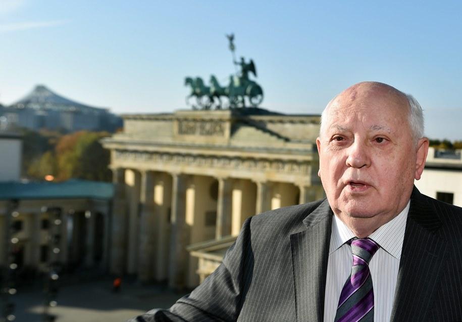 Michaił Gorbaczow w Berlinie /JENS KALAENE  /PAP/EPA