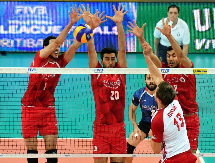 Michał Kubiak w meczu z Iranem /www.fivb.org