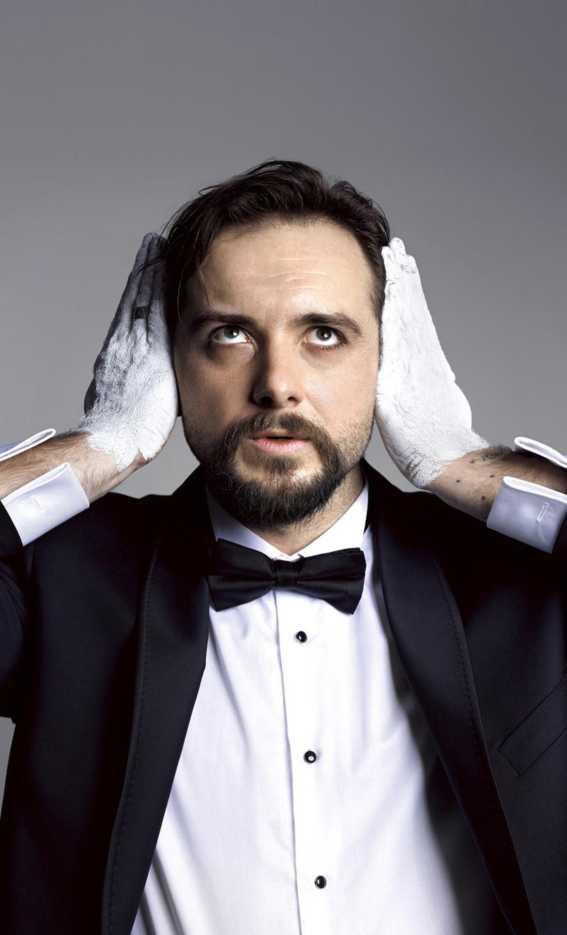 Michał Żurawski jest wzorowym ojcem, a co do małżeństwa deklaruje wierność /Robbi Cyron /Twój Styl