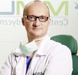 Założyciel i właściciel Centrum Medycznego MML w Warszawie. Specjalizuje się w otolaryngologii, chirurgii głowy i szyi oraz medycynie lotniczej.