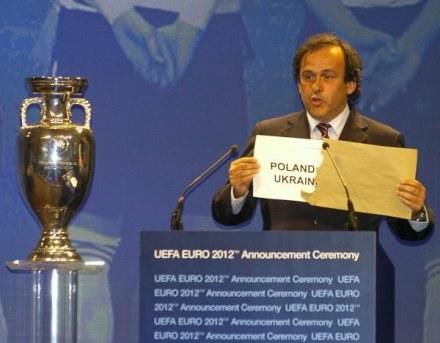Michel Platini odwiedzi Ukrainę /AFP