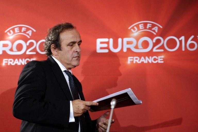 """Michel Platini, prezydent UEFA - czy na Euro 2016 będzie """"telewizyjny podatek""""? /AFP"""