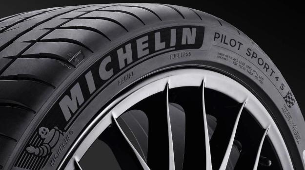 Michelin Pilot Sport 4S /Motor