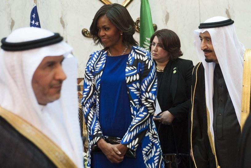 Michelle Obama bez chusty podczas wizyty w Arabii Saudyjskiej /East News
