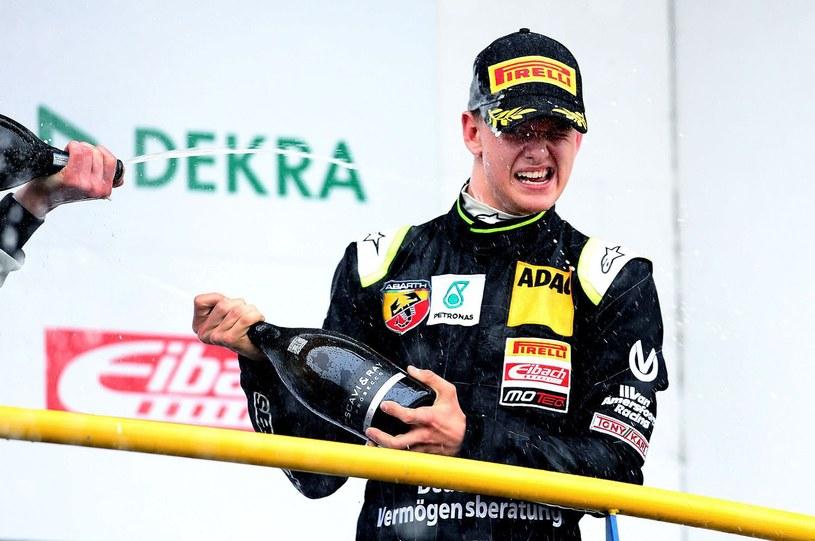 Mick Schumacher startuje w wyścigach /AFP