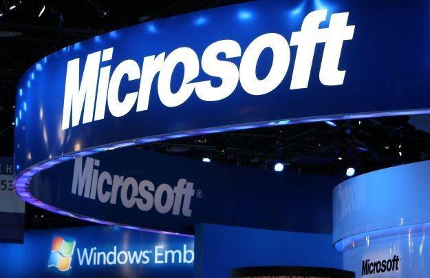Microsoft czerpie dochody z wielu różnorodnych usług /AFP