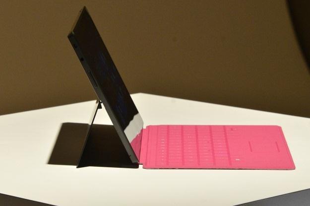 Microsoft Surface faktycznie nie przypomina iPada /AFP