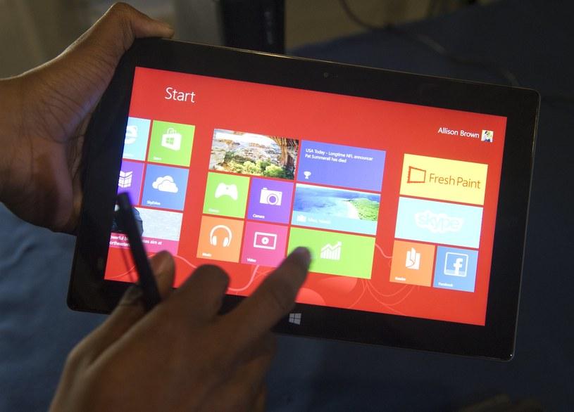 Microsoft widzi potencjał w tańszych urządzeniach z Windows 8 /AFP