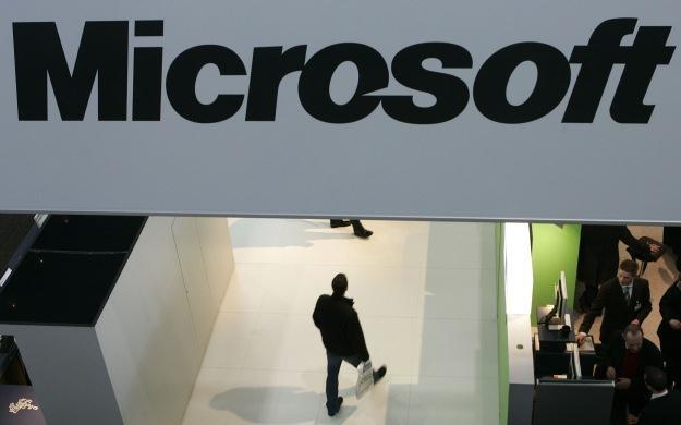 Microsoft zaczyna nowe starcie patentowe z Google /AFP