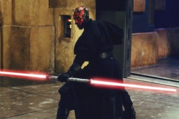 Miecz świetlny to śmiercionośna bron rycerzy Jedi i Sithów /materiały prasowe