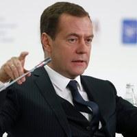 Miedwiediew: Administracja Obamy zrujnowała relacje z Rosją