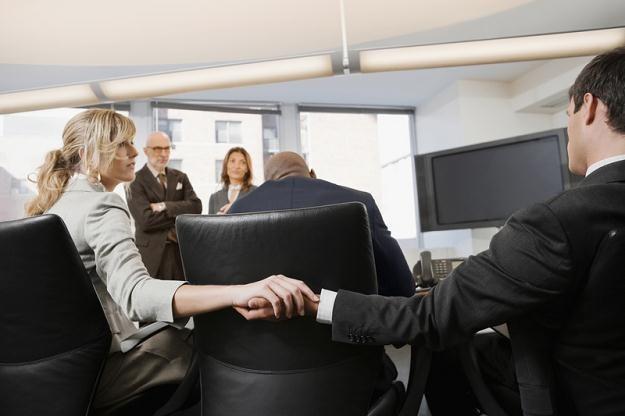 Miejsca pracy są swoistymi inkubatorami dla rozwoju uczuć /© Panthermedia