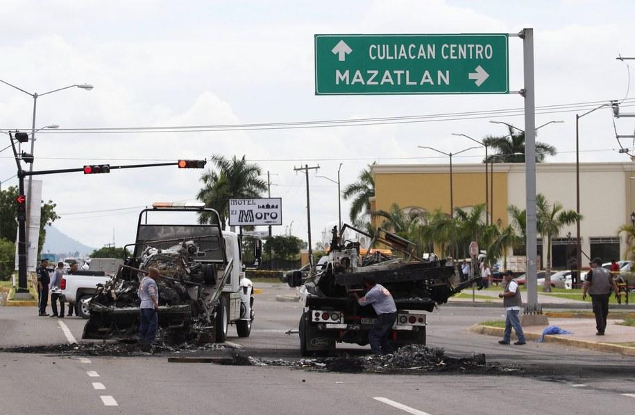Miejsce ataku na wojskowy konwój w Culiacan /NOROESTE MAZATLAN/HANDOUT /PAP/EPA