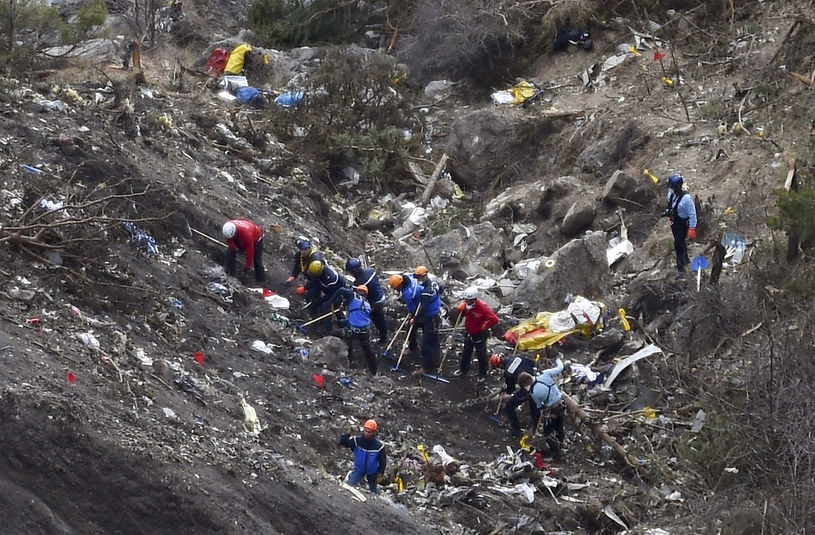 Miejsce katastrofy airbusa /ANNE-CHRISTINE POUJOULAT /AFP