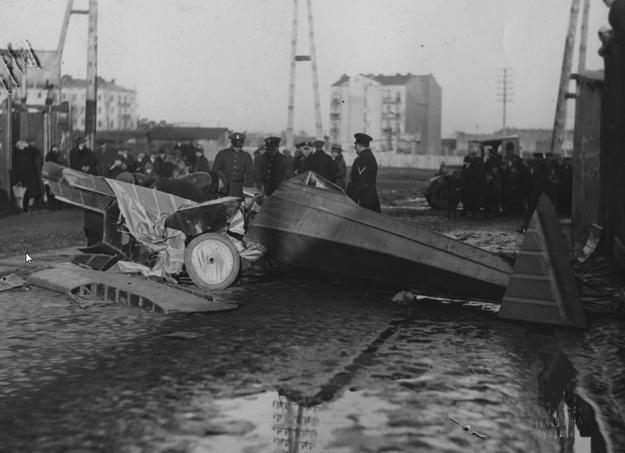 Miejsce katastrofy na Ochocie u zbiegu ulic Sękocińskiej i Kaliskiej /Z archiwum Narodowego Archiwum Cyfrowego