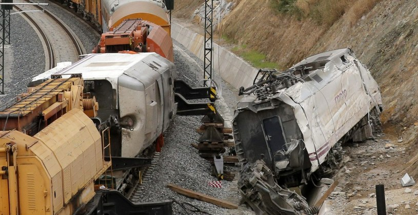 Miejsce katastrofy pociągu /PAP/EPA