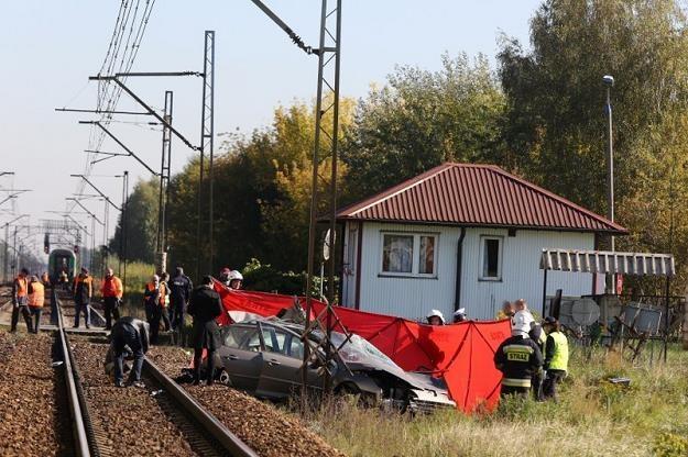 Miejsce tragicznego wypadku w Kozerkach /PAP