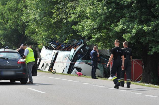 Miejsce wypadku autobusu na DK 17 w miejscowości Górzno-Kolonia na obwodnicy Garwolina /Przemysław Piątkowski /PAP