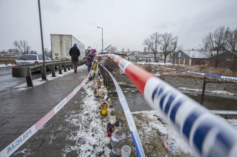 Miejsce wypadku w Jeleniej Górze /Aleksander Koźmiński /PAP